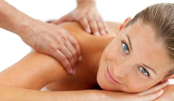 Massage et soins pour la marié
