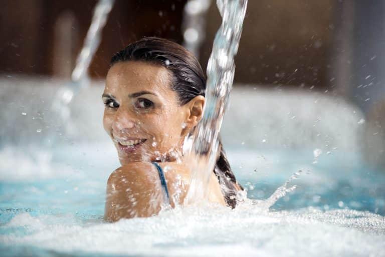 aquatonic, bassin à jets, centre Aqualudique à Nantes